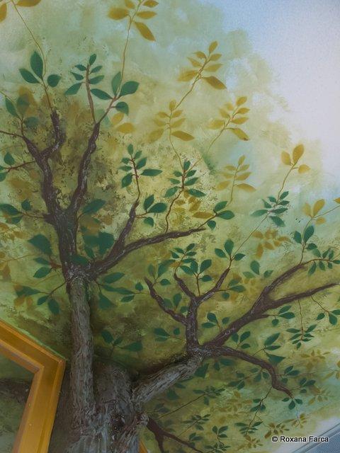 Copaci verzi pe pereţi. Deci există.