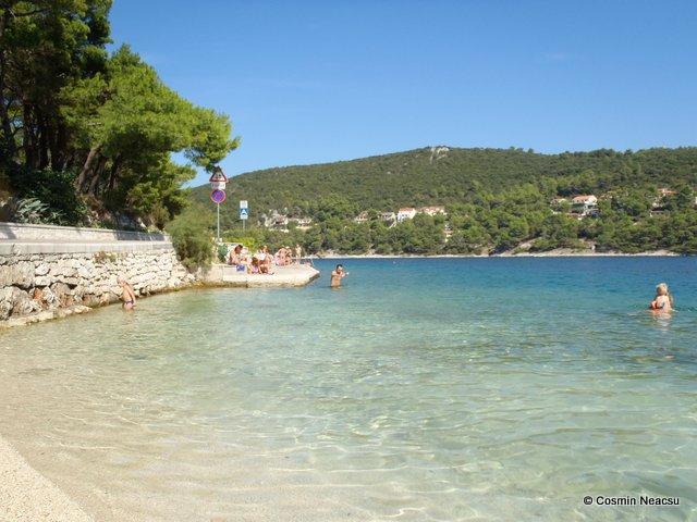 Plaja in insula Brac