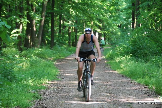 Bicicleala prin padure 2