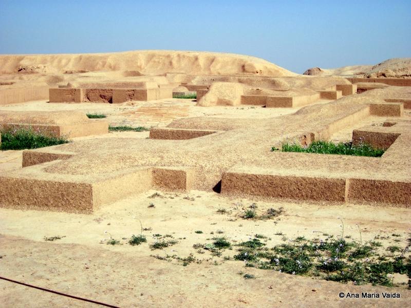 Ruinele templelor