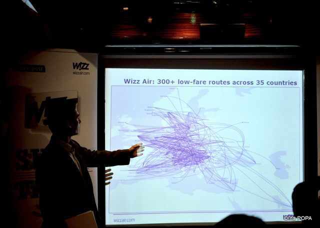 rutele pe care zboara Wizz, zici ca a mazgalit cineva cu creionul pe hartie