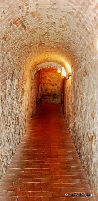 Cetatea Alba Carolina - scari spre temnita