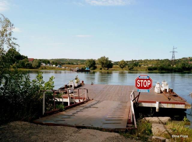 Vama Moldova - Ucraina. Observati podul?