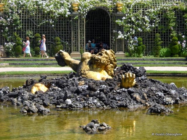 In Gradinile Versailles (2)