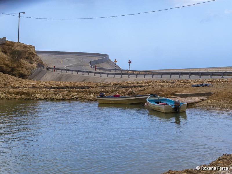 Traversarea cu barca spre Wadi Shab