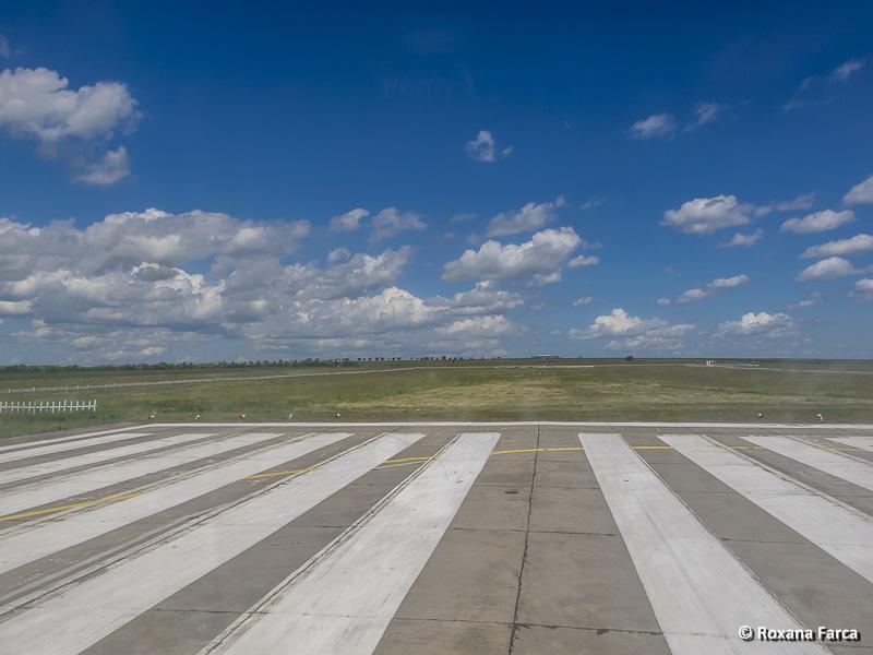 Sosirea pe aeroportul din Tulcea, capat de pista