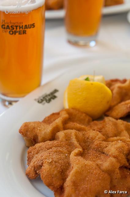 Wiener Schnitzel la Plachutta - Gasthaus zur Oper