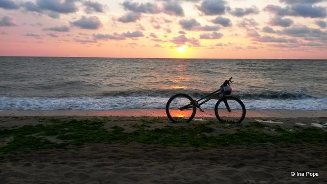 La rasarit, o bicicleta pribegea