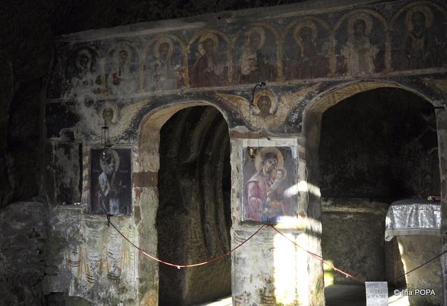Cele doua altare