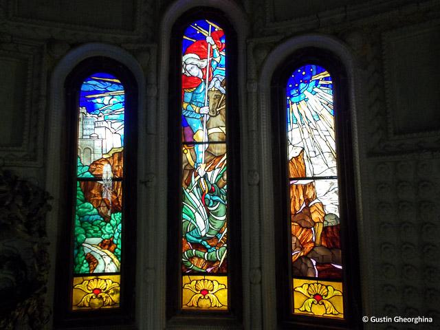 Vitralii capela