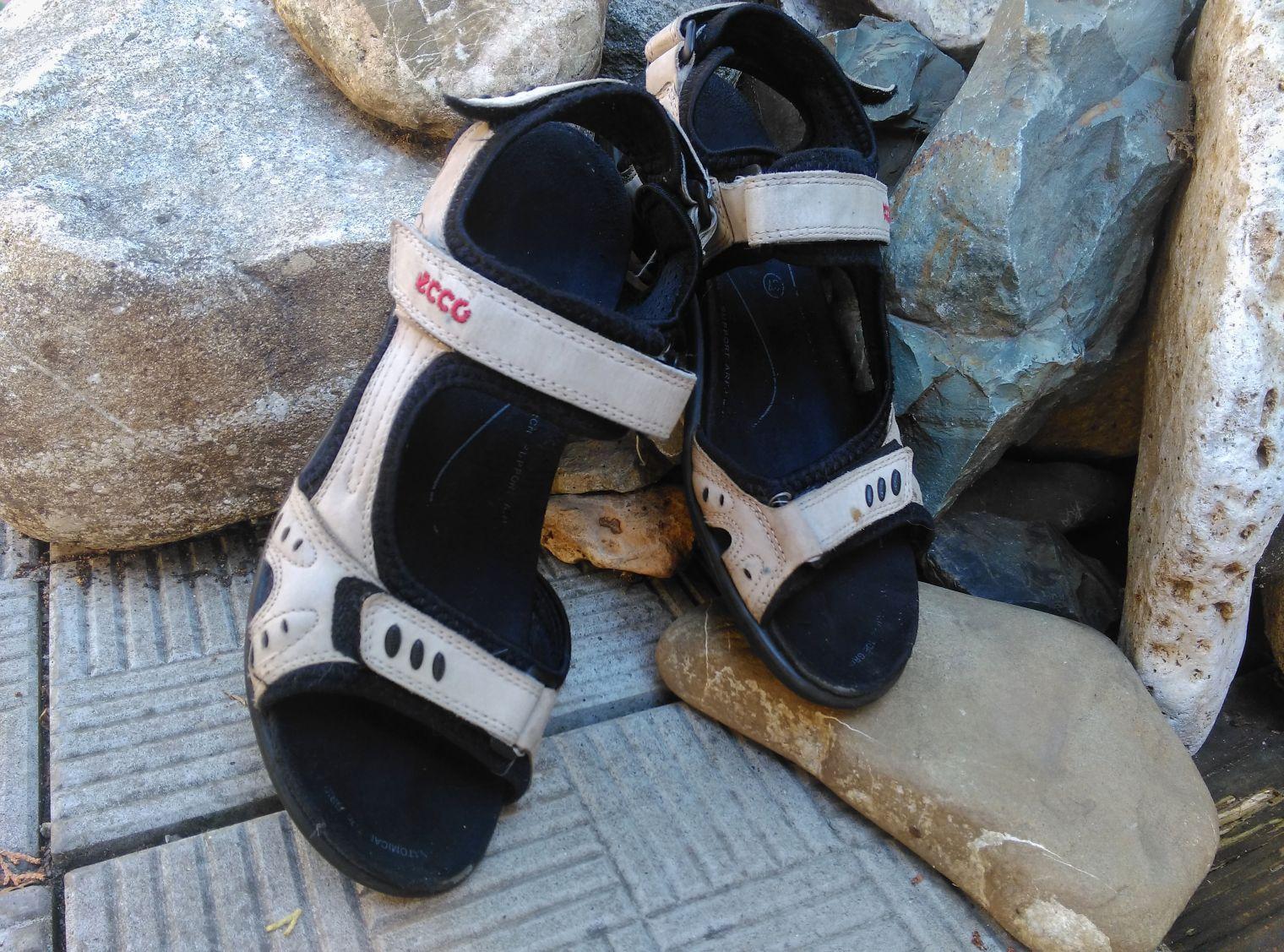 Sandale Ecco sport pentru offroad si outdoor