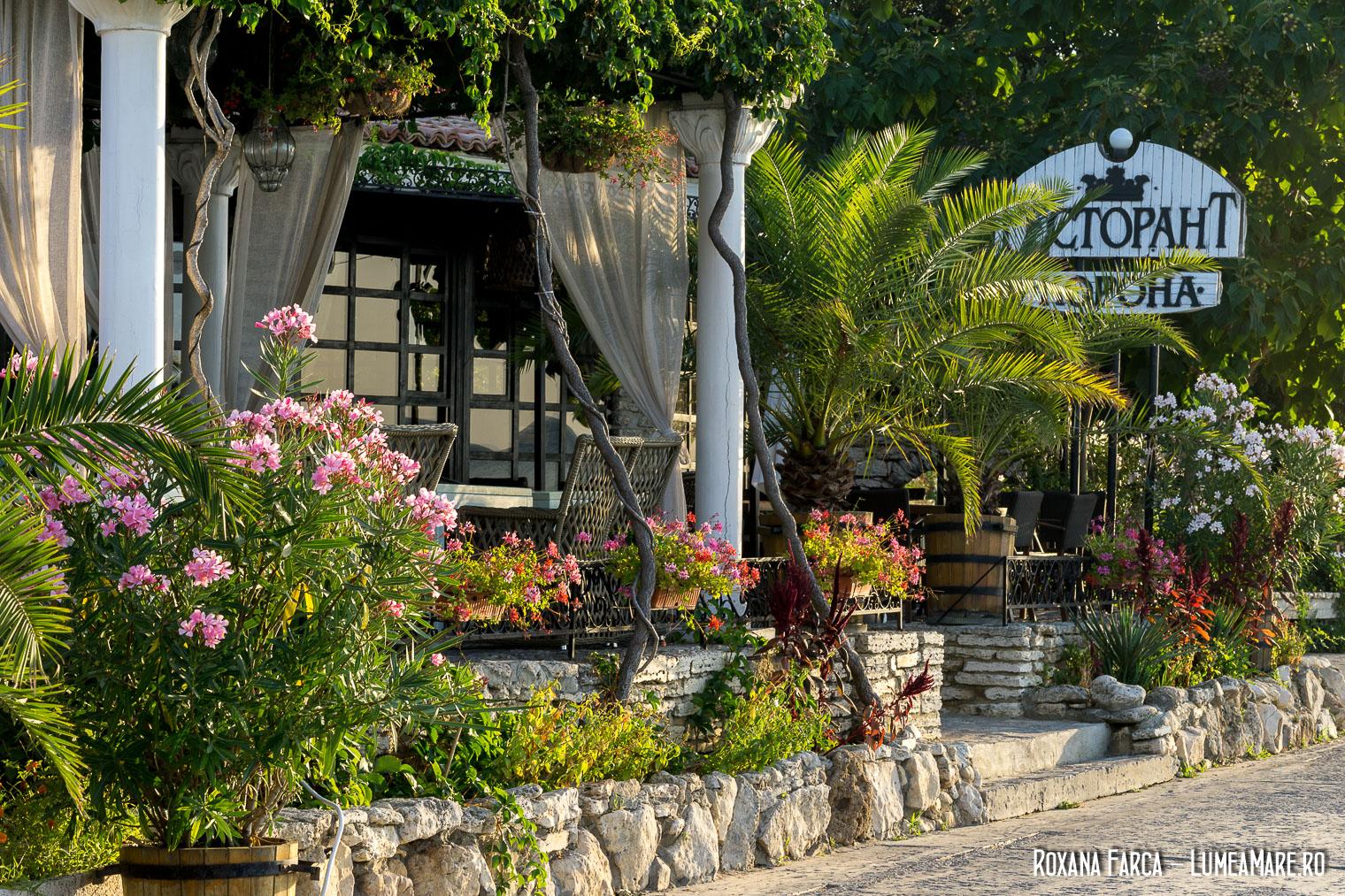 Imagini pentru korona restaurant balchik