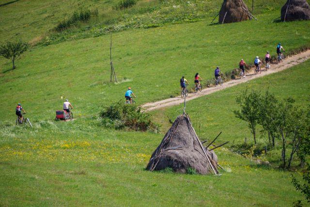 Ciclism în Pădurea Craiului